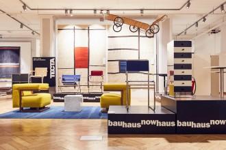 In occasione del centenario della fondazione della Bauhaus, stiamo preparando dei pezzi unici da noi rivisitati a ricordarne il profondo valore storico, artistico e culturale .  Seguiteci!